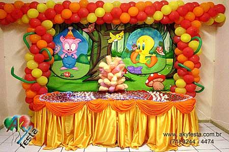 Decoración de fiesta infantil de los looney tunes - Imagui